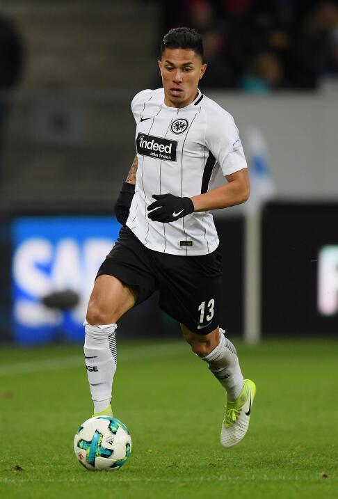 Sábado 13 de enero / Eintracht Frankfurt Vs. Friburgo: Carlos Salcedo, c...