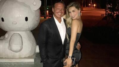 Foto de Luis Miguel en la que posa con su 'novia' nos deja dudando sobre su apariencia actual