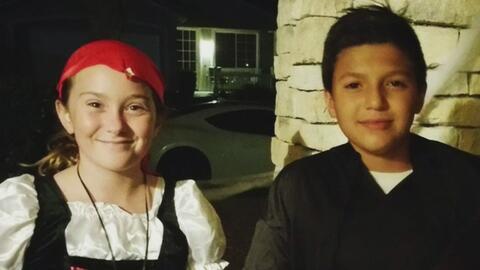 Dos niños demuestran que el idioma no es una barrera para la amistad