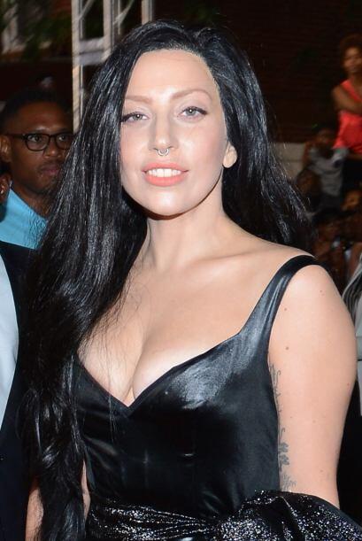 Lady Gaga ahorró tiempo para pasarse el cepillo y mejor optó por una pel...