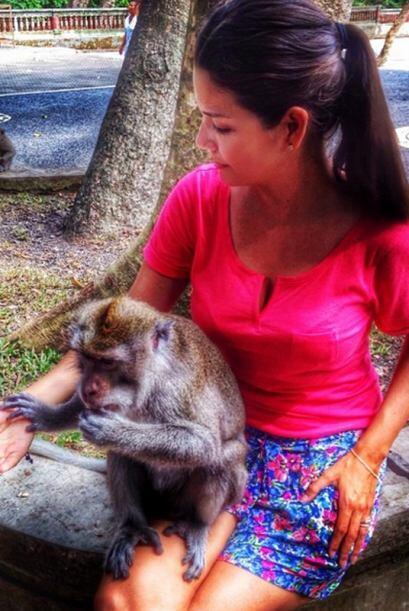 Ana haciendo nuevos amigos en el Santuario de los Monos. (Junio 19, 2014)