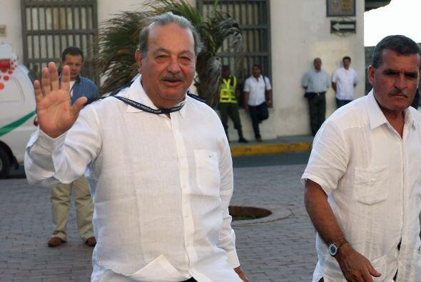 El biógrafo oficial de Carlos Slim, José Martínez, asegura que el 25% de...