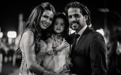 Ana Patricia Gámez, su esposo Luis Carlos Martínez y su hi...