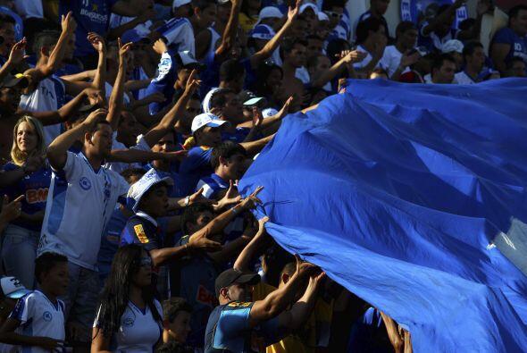 En tanto la hinchada del Cruzeiro festejó la obtención de...