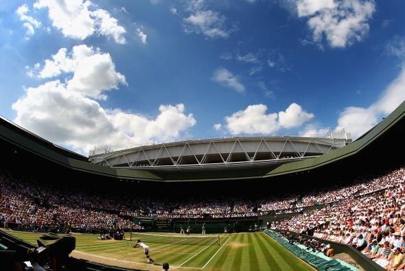 El torneo de Wimbledon es el evento de tenis más antiguo del mundo. Se t...