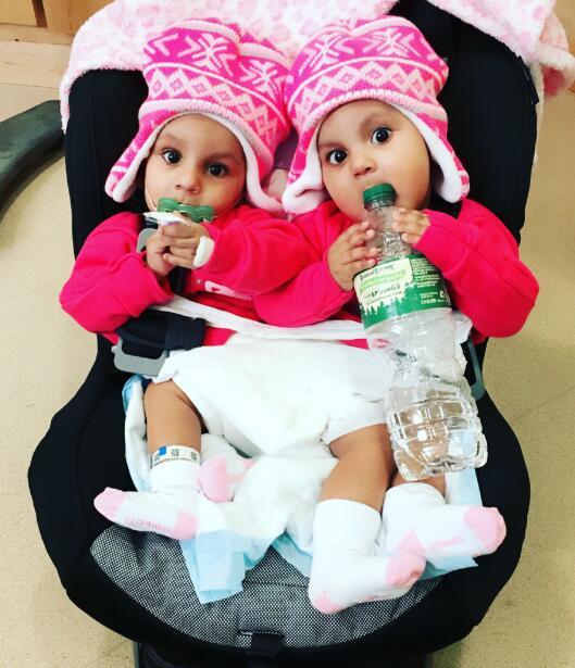 Ellas son Ballenie y Bellanie Camacho, son de República Dominican...