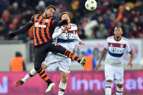 En el otro partido de octavos de final, el Shakhtar igualó a cero goles...