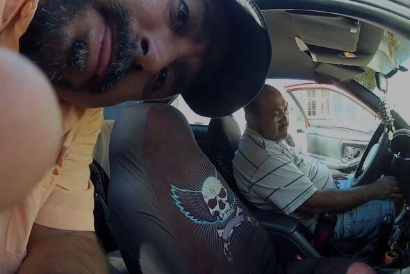 Nuestro camarógrafo Roberto instaló cámaras dentro y fuera del vehículo.