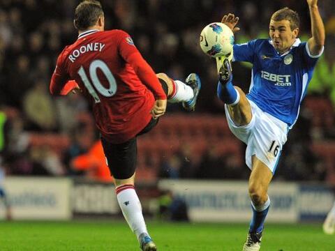La fecha 32 de la Liga Premier inglesa vivió otro duelo de dos eq...