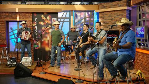 Los DesperadoZ took over the Uforia Lounge and lucky KXTN listeners got...