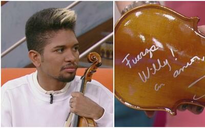 El violín que Shakira firmó para el venezolano Wuilly Arteaga