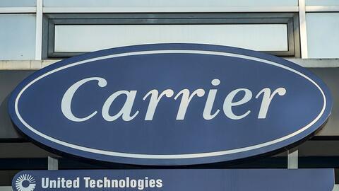 Logo de Carrier en una planta en Montluel, Francia, noviembre 2014.