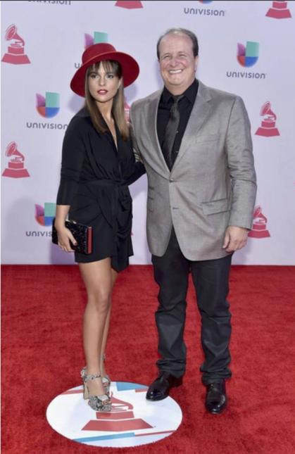 Reyes Copello es un exitoso productor y compositor colombiano. A lo larg...