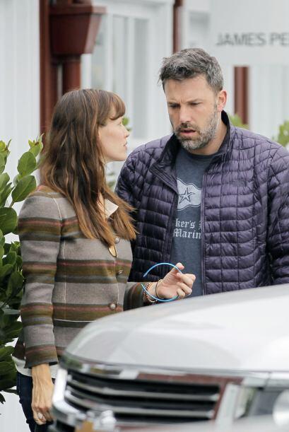 Jen parecía reclamarle algo al actor.