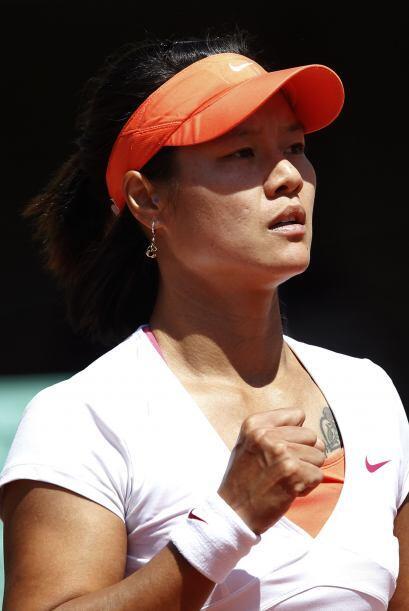 En dos sets 6-4 y 7-5, la china se impuso a Sharapova, séptima del mundo.