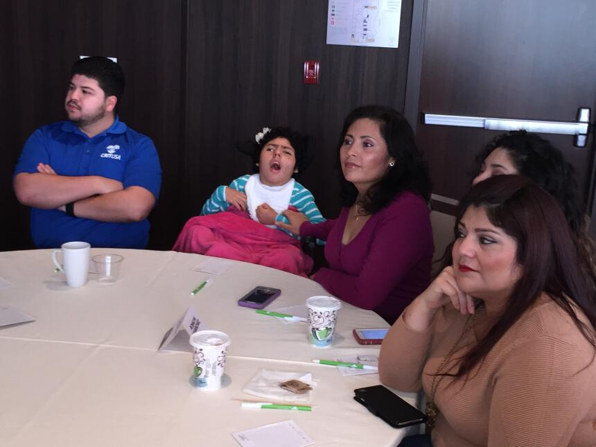 Varios conductores de Univision disfrutaron de un desayuno con los niños...