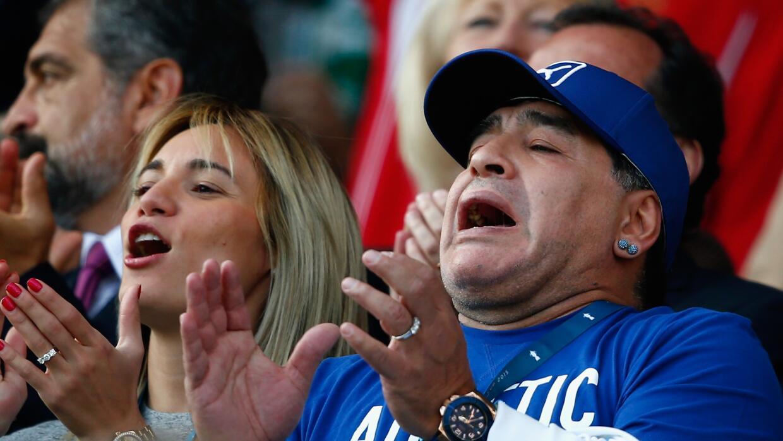 Maradona evoluciona satisfactoriamente