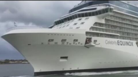 Una pareja se lleva tremendo susto al pensar que un barco crucero embest...