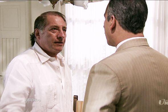 El padre de Mariana guardó la calma y trató de no levantar...