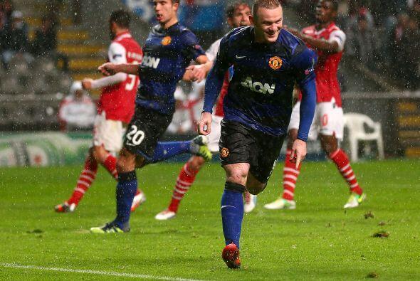 Luego fue el turno de Wayne Rooney al 84'.