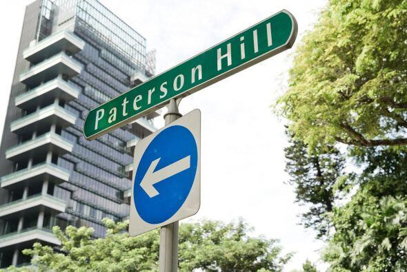 5. PATERSON HILL. Cerca del Orchard Road Shopping Belt, esta calle en Si...