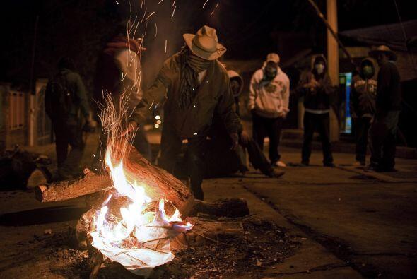 Los últimos días en Cherán han sido un caos, debido al 'estado de sitio'...