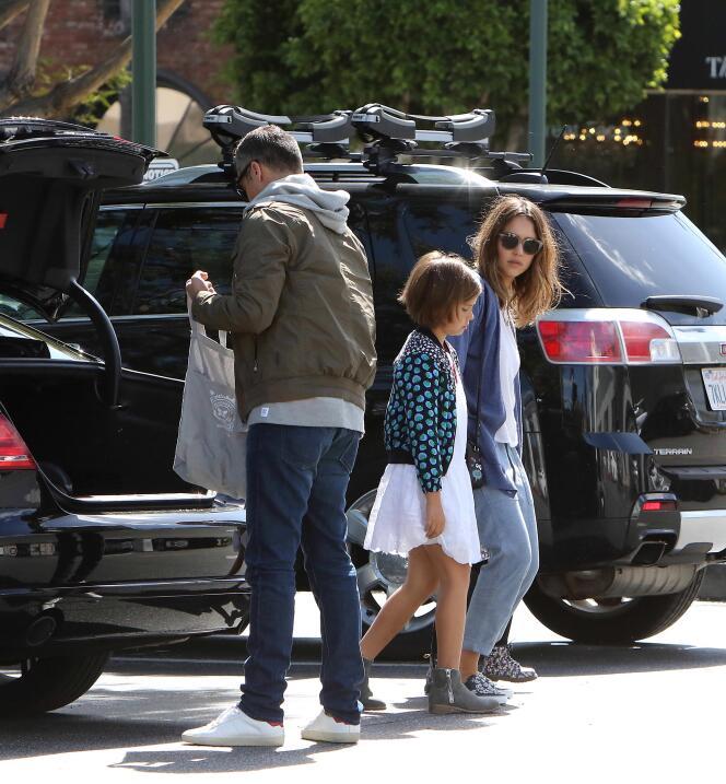 La famosa y su esposo Cash Warren tienen un bello día familiar