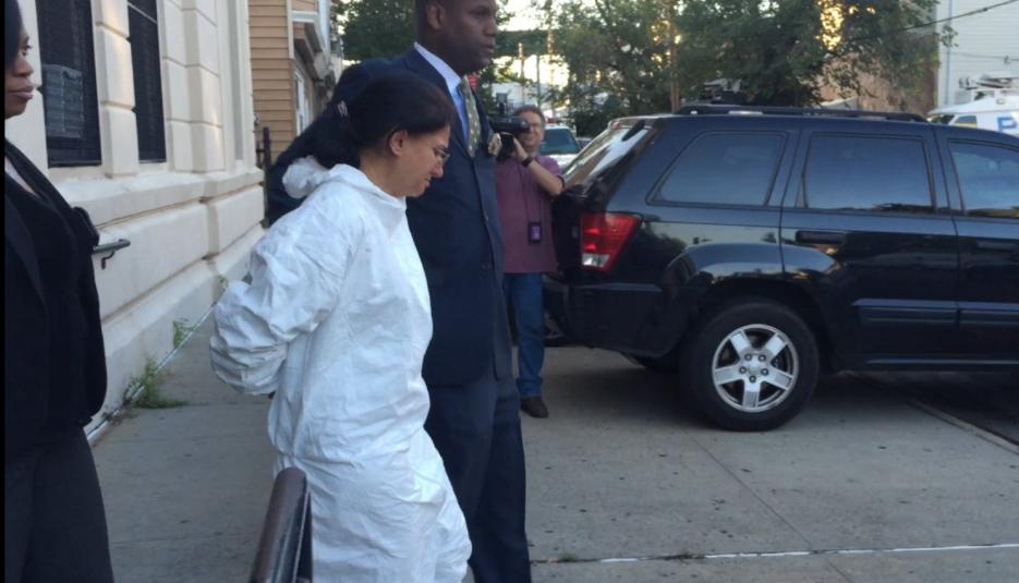 Arjun Samdhi estaba en la casa de una amiga cuando el NYPD la contactó.