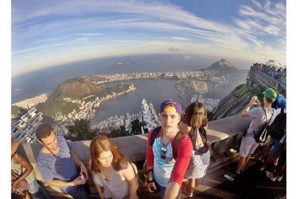 """On top of the world"", mostró William Valdes. (Julio 12, 2014)"