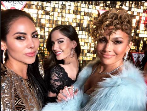 La novia de Maluma, Natalia Barulích, al centro, compartió orgullosa est...