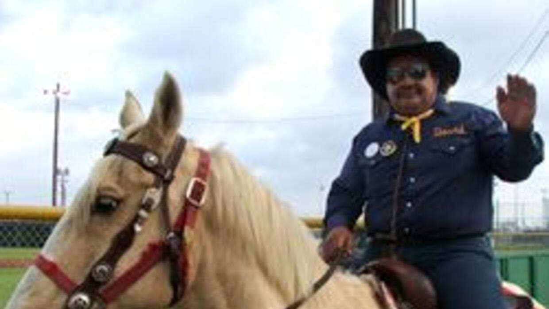 """David es el jefe de """"Los Vaqueros"""", el primer grupo hispano en recorrer..."""