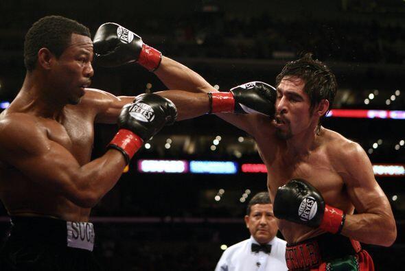 En una pelea contra Shane Mosley el 24 de enero del 2009 en el Staples C...