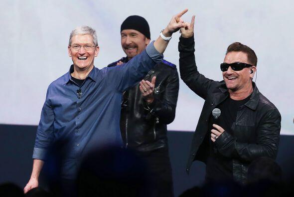 U2 estuvo presente en el evento más importante de Apple en el año.