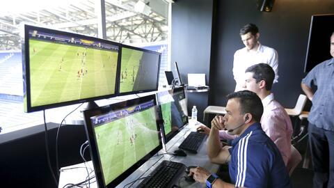 El VAR durante su fase de ensayo en la MLS.