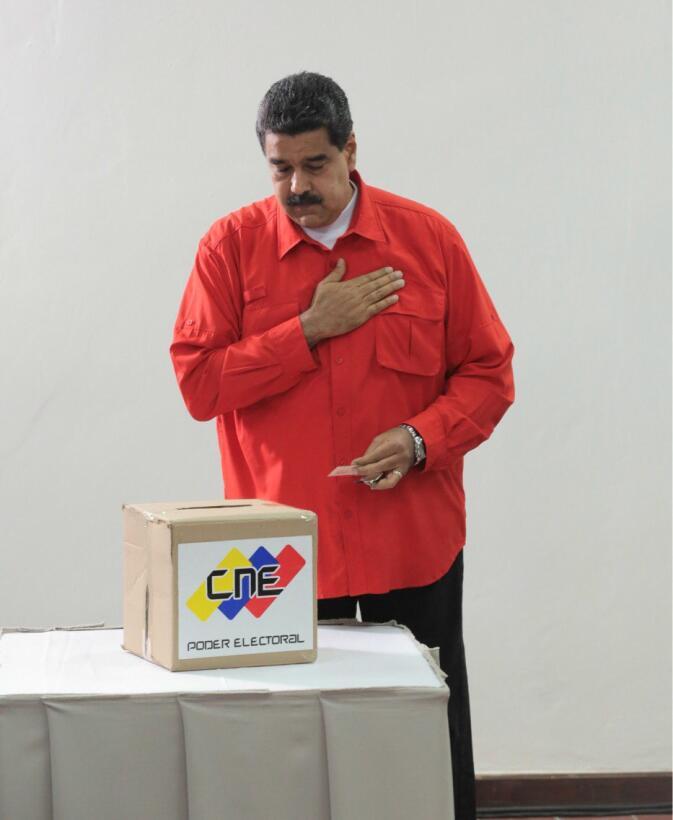 iNcolás Maduro