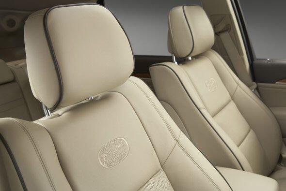 Los asientos pueden ser forrados en cuero de napa, y sin importar el mat...