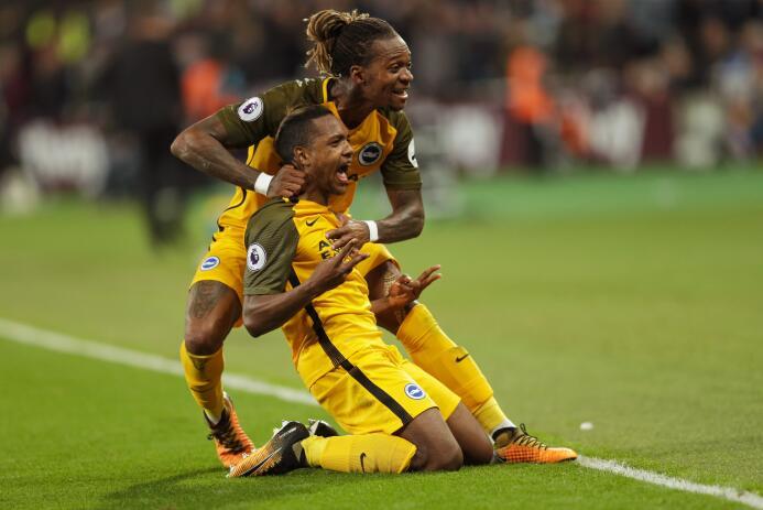 Brighton goleó a West Ham y el 'Chicharito' sumo su cuarto juego seguido...