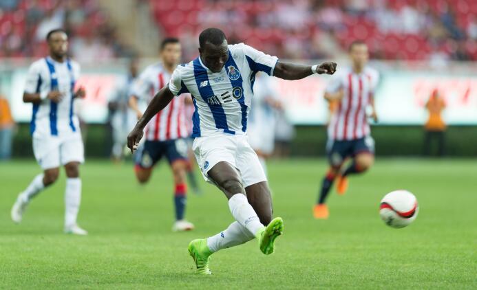 Chivas y Porto empatan con polémico final Gol Vincent Aboubakar Porto.jpg