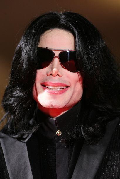 Michael se operó la nariz y se afinó los pómulos.