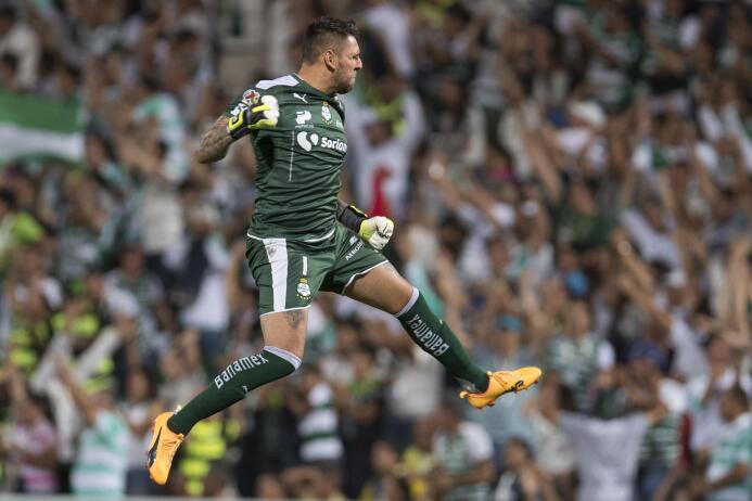 Santos se lleva una infartante victoria ante el América 20170423_7149.jpg