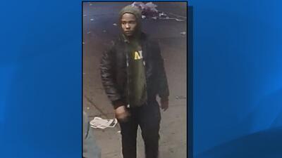Buscan al sospechoso de golpear a sus víctimas con una pistola para robarles sus pertenencias