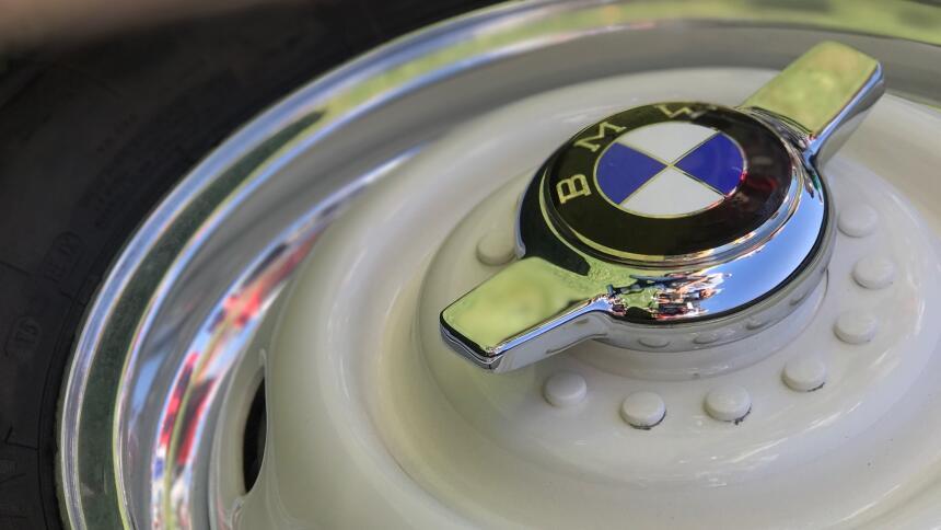 La restauración del BMW 507 1957 de Elvis IMG_2550 (1).jpg