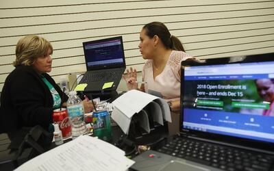 Históricamente los primeros en inscribirse en Obamacare son aquel...