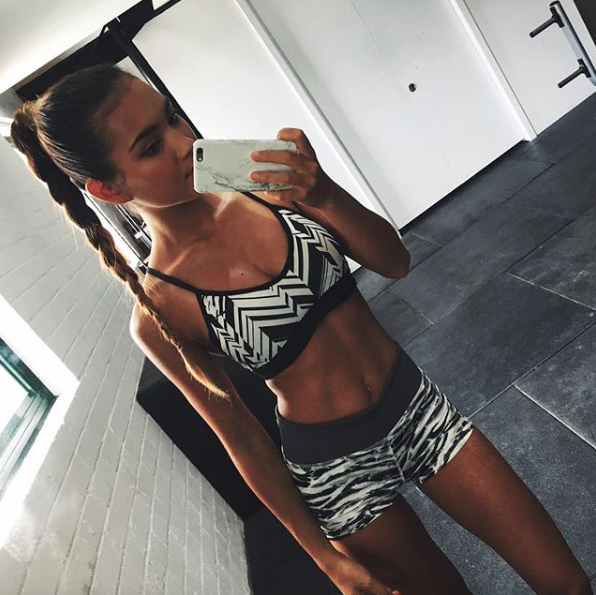 Mimi Perkins es una modelo australiana cuyo sacrificio en el gimnasio y...