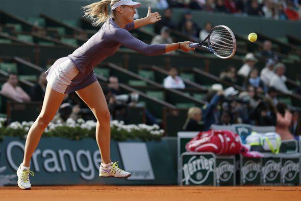 La campeona defensora, la rusa María Sharapova, se impuso muy fácil a la...