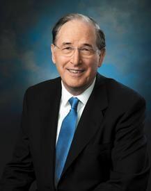 9. Jay Rockefeller (D-W.Va.): Como miembro de la familia Rockefeller, a...