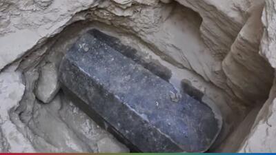 Encuentran sarcófago de más de 2 mil años de antigüedad