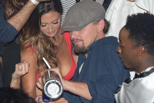 Leonardo decidió pasar una velada inolvidable.Mira aquí los videos más c...