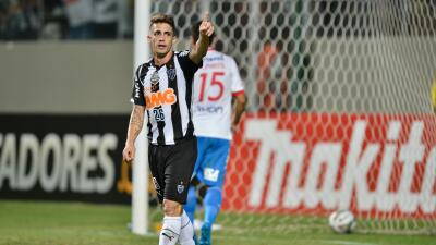 Neto Berola se suma a la delantera de Veracruz.