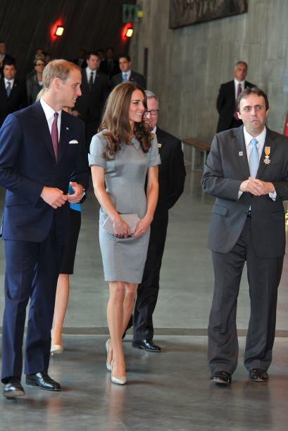 30 de junio de 2011  Los duques de Cambridge llegan a Canadá para inicia...